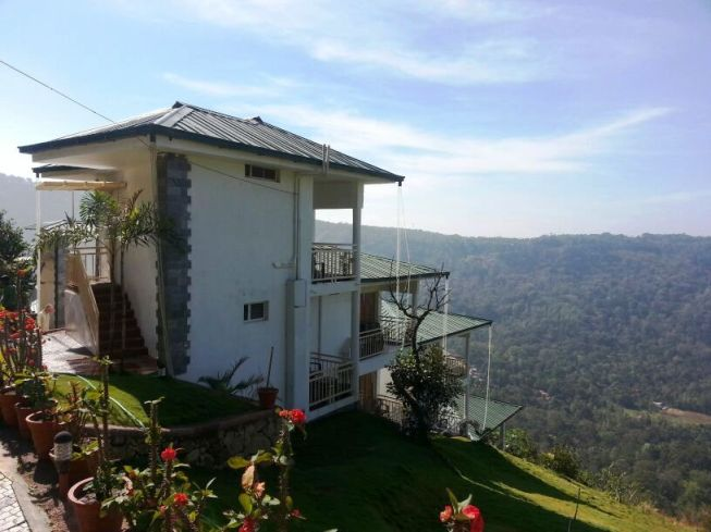 The Wind Munnar (Cliff edge cottages)